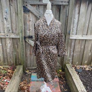 Ambrielle cheetah print robe size large